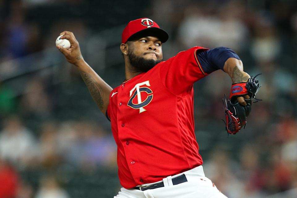 MINNEAPOLIS, MN - AUGUST 27: Alex Colome #48 of the Minnesota Twins delivers a pitch against the Milwaukee Brewers in the ninth inning of the game at Target Field on August 27, 2021 in Minneapolis, Minnesota. The Twins defeated the Brewers 2-0. (Photo by David Berding/Getty Images)