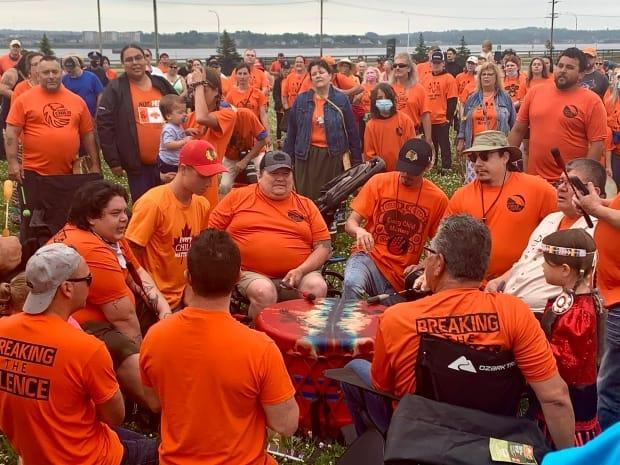 Hundreds dressed in orange at the Charlottetown Event Grounds to stand in solidarity with the Indigenous community. (Sheehan Desjardins/CBC - image credit)