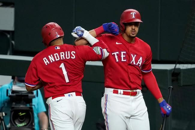 Aging Elvis: Back issues, questions about future as Texas SS