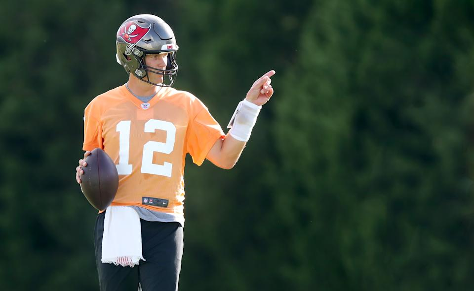TAMPA, FL - AUG 02: Tom Brady (12) points towards the defense during the Tampa Bay Buccaneers Training Camp on August 02, 2021 at the AdventHealth Training Center at One Buccaneer Place in Tampa, Florida. (Photo by Cliff Welch/Icon Sportswire via Getty Images)