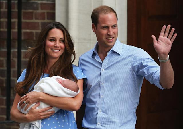 LONDON, ENGLAND - JULY 23: Prince William, Duke of Cambridge and Catherine, Duchess of Cambridge, depart The Lindo Wing with their newborn son at St Mary's Hospital on July 23, 2013 in London, England. The Duchess of Cambridge yesterday gave birth to a boy at 16.24 BST and weighing 8lb 6oz, with Prince William at her side. The baby, as yet unnamed, is third in line to the throne and becomes the Prince of Cambridge. (Photo by Oli Scarff/Getty Images)