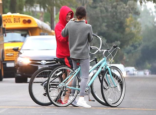 <p>Clearly this is a day that Selena wants to remember. The singer stopped to take a photo of her ex-boyfriend-slash-friend in the middle of the street. Bieber was grinning ear to ear, obviously. (Photo: INSTARimages.com) </p>