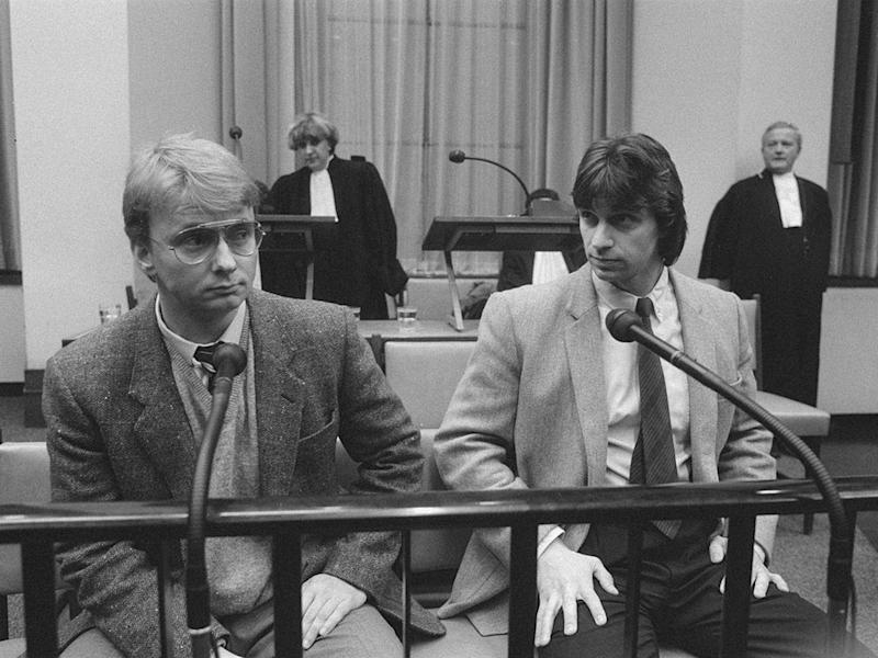 Holleeder (right) with Cor van Hout during their kidnapping trial in 1987 (Creative commons/Holleeder family)
