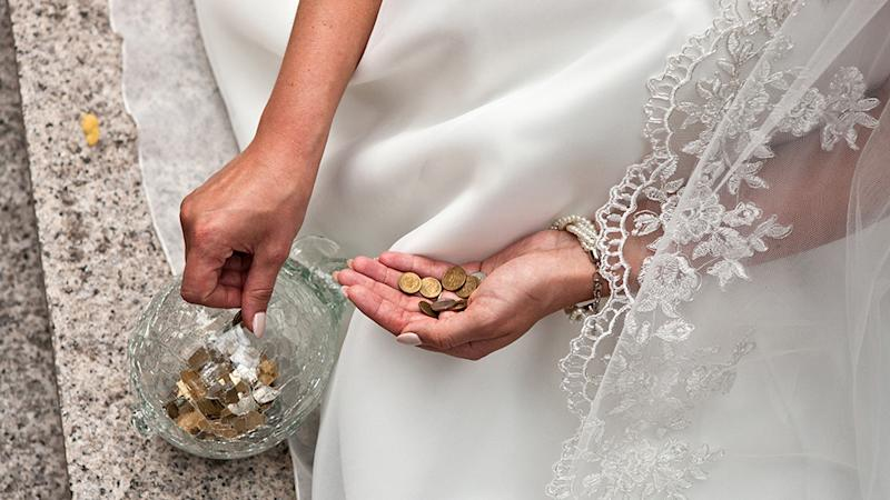 A bride has been taunted over a budget DIY gift job. Photo: Getty Images