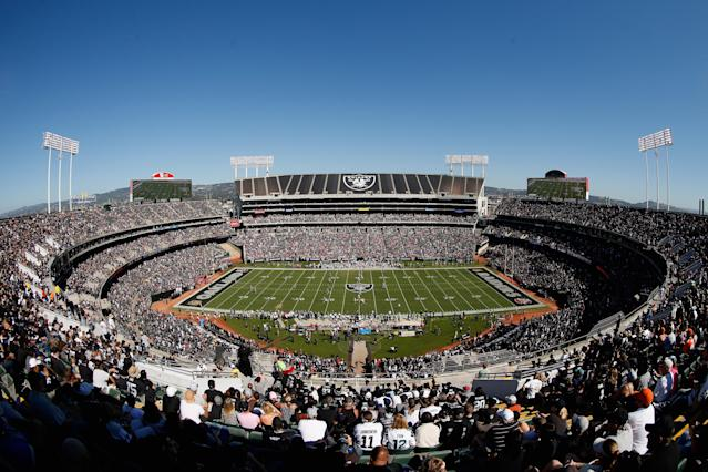 The Raiders have reportedly resumed talks with Oakland–Alameda County Coliseum officials. (Photo by Ezra Shaw/Getty Images)
