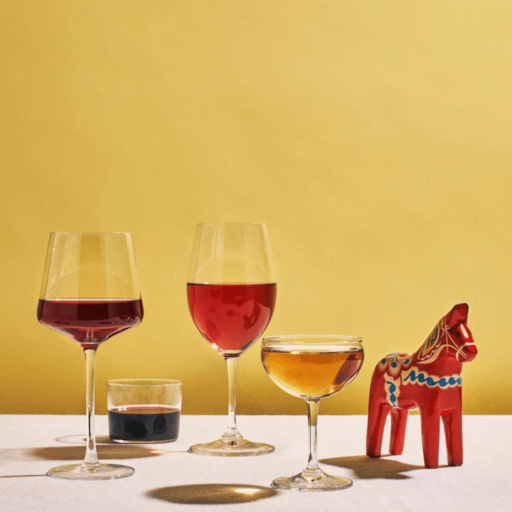 """<h2>Natural Wine Starter Kit</h2><br>For anyone riding the hip natural wine wave, this starter pack includes 3 natural wines (a red, white, and one surprise!) plus an intro to natural wines book so you can make your sipping a full educational experience. <br><br><a href=""""https://mysa.wine/"""" rel=""""nofollow noopener"""" target=""""_blank"""" data-ylk=""""slk:Shop Mysa Natural Wines"""" class=""""link rapid-noclick-resp""""><em><strong>Shop Mysa Natural Wines</strong></em></a><br><br><strong>Mysa Natural Wine</strong> Natural Wine Starter Kit, $, available at <a href=""""https://go.skimresources.com/?id=30283X879131&url=https%3A%2F%2Ffave.co%2F2K6Z1ii"""" rel=""""nofollow noopener"""" target=""""_blank"""" data-ylk=""""slk:Mysa Natural Wine"""" class=""""link rapid-noclick-resp"""">Mysa Natural Wine</a>"""