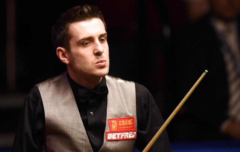 Snooker - Champion Selby, Fu and Hawkins into last eight