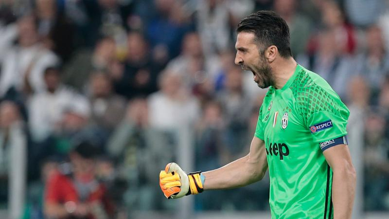 Buffon puts Juventus star Dybala among world's best after Barca heroics