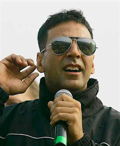 Akshay Kumar is also in Johannesburg as the franchise face of Delhi Daredevils.