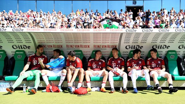 Soccer Football - Bundesliga - Hannover 96 vs Bayern Munich - HDI-Arena, Hanover, Germany - April 21, 2018 General view of Bayern Munich players sat on the bench before the match REUTERS/Fabian Bimmer DFL RULES TO LIMIT THE ONLINE USAGE DURING MATCH TIME TO 15 PICTURES PER GAME. IMAGE SEQUENCES TO SIMULATE VIDEO IS NOT ALLOWED AT ANY TIME. FOR FURTHER QUERIES PLEASE CONTACT DFL DIRECTLY AT + 49 69 650050