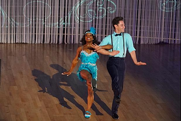 Simone Biles Tells Dwts Host Smiling Doesn T Win You Gold Fans Go Wild