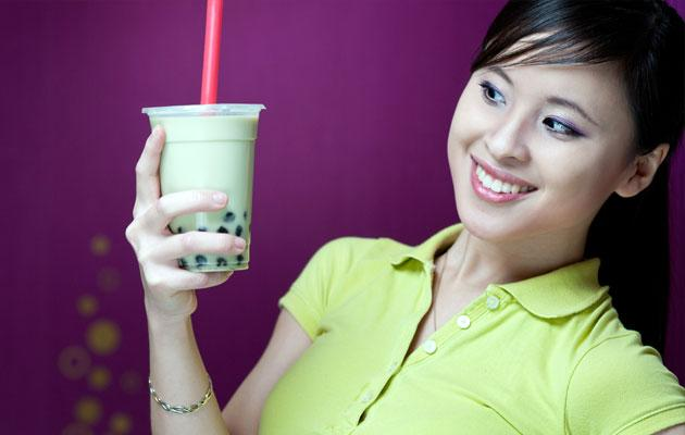 Having bubble tea with less sugar and without pearls is healthier. (Thinkstock photo)