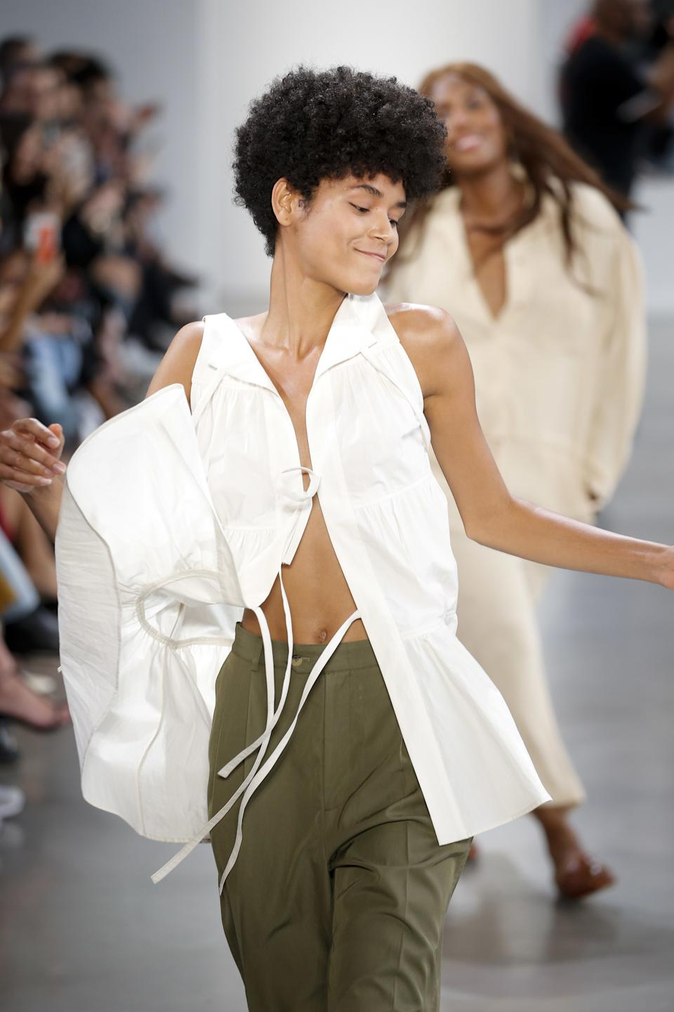 """<h1 class=""""title"""">Deveaux New York - Runway - September 2019 - New York Fashion Week</h1><cite class=""""credit"""">Victor VIRGILE/Gamma-Rapho via Getty Images</cite>"""