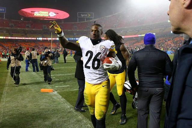 "Will the Steelers spell <a class=""link rapid-noclick-resp"" href=""/nfl/players/26671/"" data-ylk=""slk:Le'Veon Bell"">Le'Veon Bell</a>? (Photo by Dilip Vishwanat/Getty Images)"