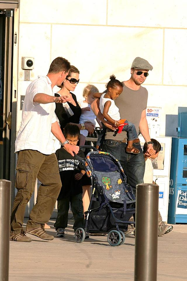 """Like Ben and Jen, Angelina and Brad prove the family that plays together stays together. The Jolie-Pitts enjoy a family outing to the museum. St. Clair/Ambler/<a href=""""http://www.splashnewsonline.com/"""" target=""""new"""">Splash News</a> - August 11, 2007"""