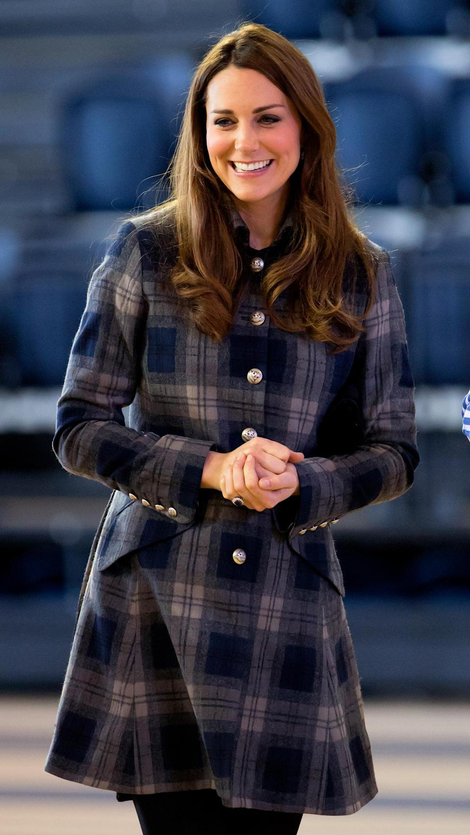 <p>For a visit to Glasgow, Scotland in 2013, Kate dressed appropriately in the Scot-friendly pattern.</p>