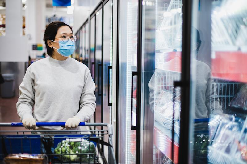 Why Mandatory Masks Indoors Helps Fight COVID-19 In Canada