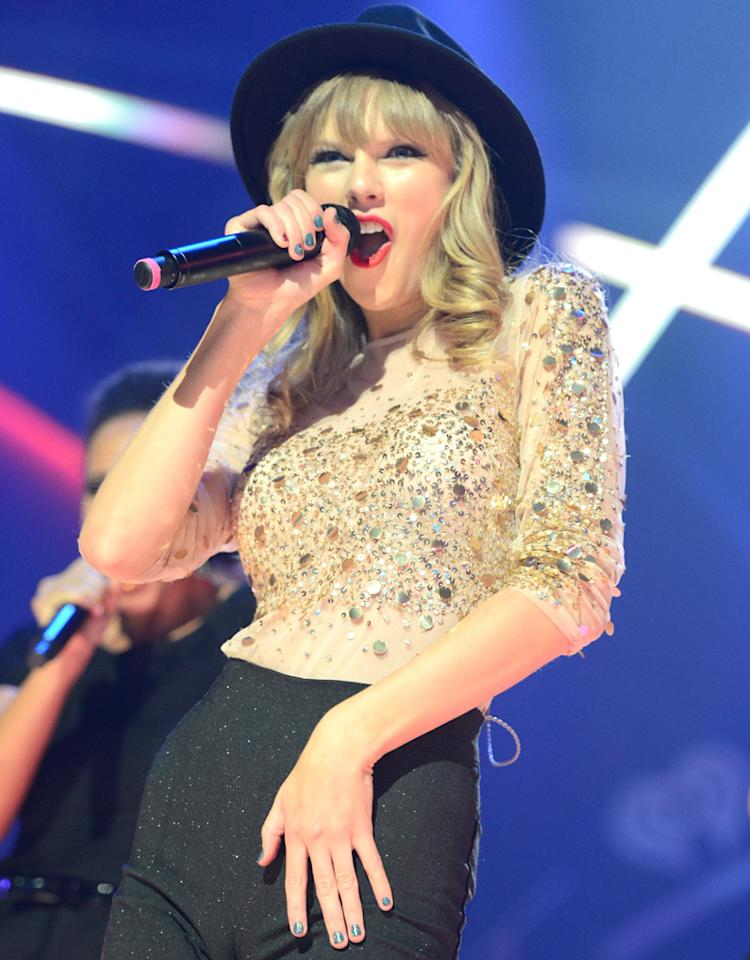 LAS VEGAS, NV - SEPTEMBER 22:  Taylor Swift performs onstage during the 2012 iHeartRadio Music Festival at the MGM Grand Garden Arena on September 22, 2012 in Las Vegas, Nevada.  (Photo by Kevin Mazur/WireImage)