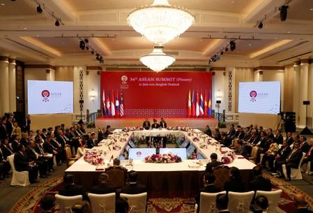 Thailand's PM Hosts ASEAN Leaders for Gala Dinner