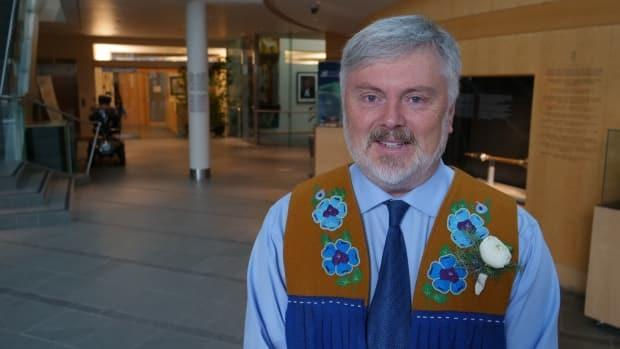 MLA Kevin O'Reilly says a private members bill in Parliament needs the territory's backing because it will benefit the N.W.T.