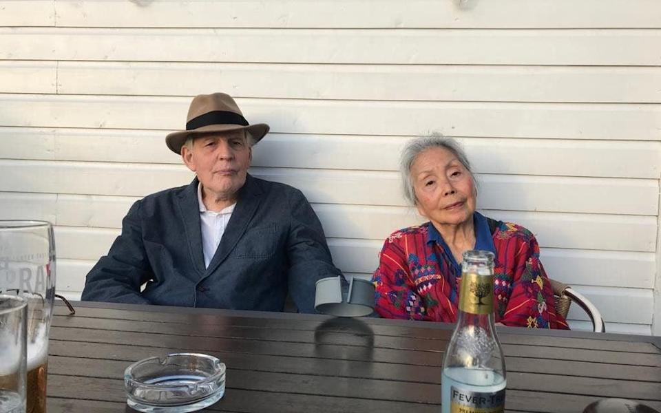 Plowright and his wife Lim Poh Sim - Fran Plowright