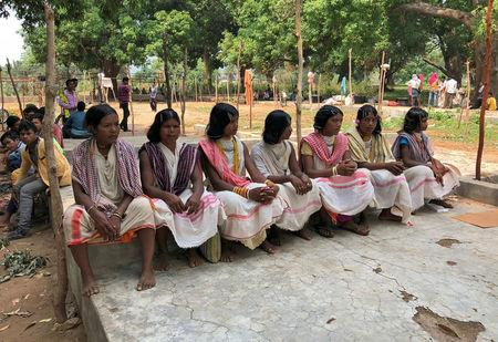 Members of the Dongria Kondh tribe attend a protest demanding the ouster of a Vedanta Limited alumina plant in Lanjigarh in the eastern state of Odisha, India, June 5, 2018. Picture taken June 5, 2018. REUTERS/Krishna N. Das