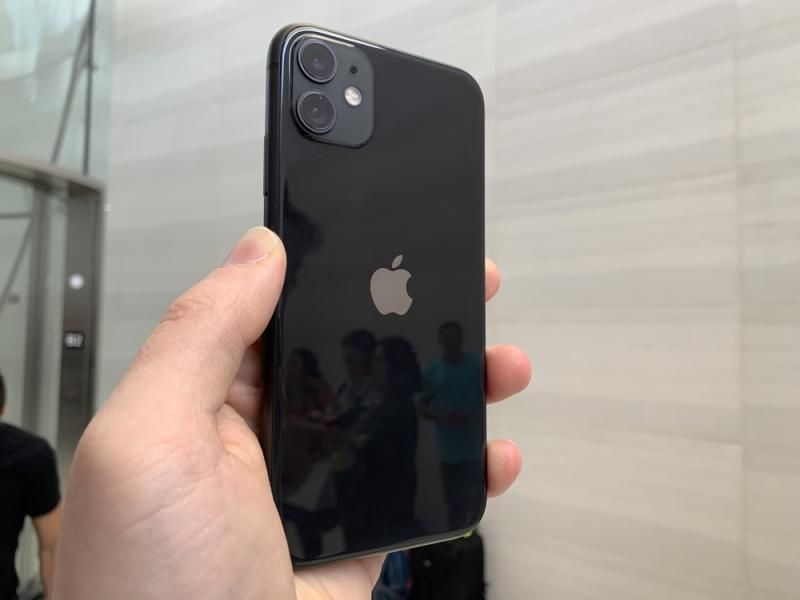 The dual-camera setup on the new iPhone 11. (Image: Howley)