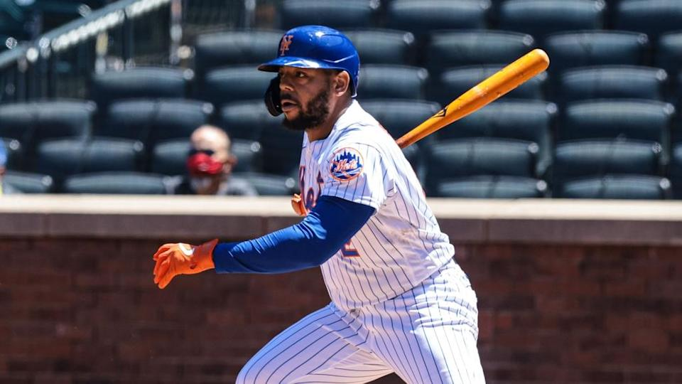 Dominic Smith Mets single at Citi Field during day May 2021