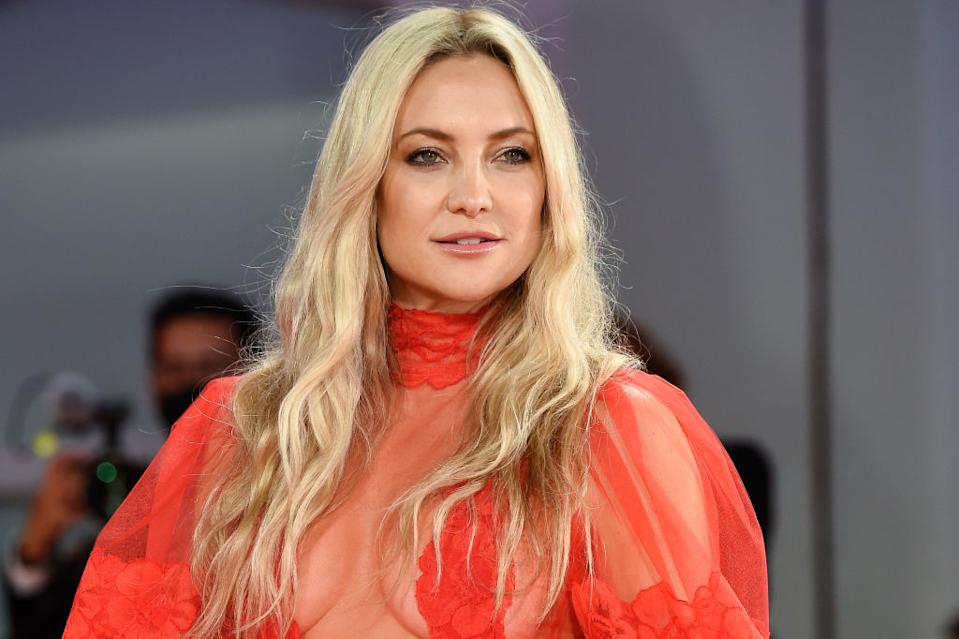 Kate Hudson stripped down to celebrate Breast Cancer Awareness Month. (Image via Getty Images)