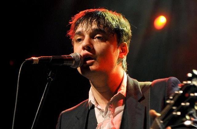 Singer Pete Doherty detained in Paris over cocaine sale