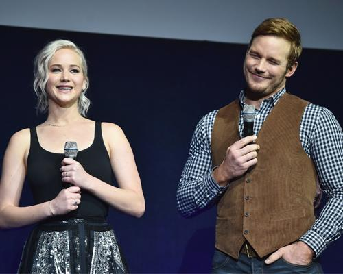 "OMG there are new photos of Jennifer Lawrence and Chris Pratt on the set of ""Passengers"""