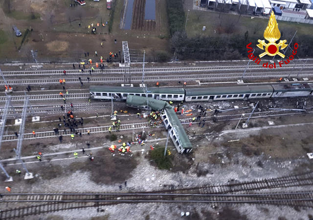 <p>An aerial view shows a derailed train at the station of Pioltello Limito, on the outskirts of Milan, Italy, Thursday, Jan. 25, 2018. (Photo: Italian Firefighters Vigili del Fuoco via AP) </p>