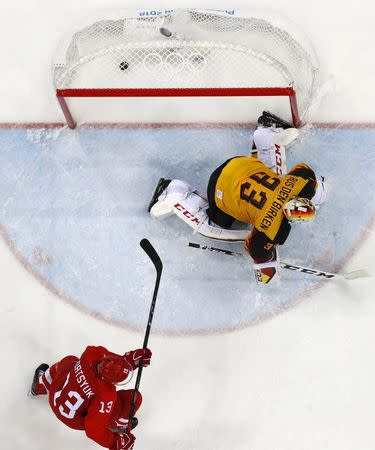 Ice Hockey - Pyeongchang 2018 Winter Olympics - Men's Final Match - Olympic Athletes from Russia v Germany - Gangneung Hockey Centre, Gangneung, South Korea - February 25, 2018 - Goalie Danny aus den Birken of Germany reacts after the winning goal by Olympic Athlete from Russia Kirill Kaprizov in overtime. REUTERS/Brian Snyder