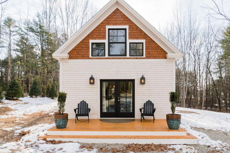 """This timber-frame, post-and-beam house is filled with woodsy vibes and modern amenities, like an indoor fireplace, stainless steel appliances, and strong Wi-Fi. Note, the home's one bedroom is lofted, set in the roof's peak, and involves a set of stairs to reach, so pack accordingly and consider any mobility concerns before booking. As for exploring the area and Maine's foliage, the location couldn't be more central. It's a short drive from <a href=""""https://www.cntraveler.com/gallery/best-day-trips-from-portland-maine?mbid=synd_yahoo_rss"""" rel=""""nofollow noopener"""" target=""""_blank"""" data-ylk=""""slk:Freeport"""" class=""""link rapid-noclick-resp"""">Freeport</a>, where you'll find the L.L. Bean flagship store—don't miss an Instagram with the giant boot—and a 20-minute drive from <a href=""""https://www.cntraveler.com/destinations/portland-maine?mbid=synd_yahoo_rss"""" rel=""""nofollow noopener"""" target=""""_blank"""" data-ylk=""""slk:Portland."""" class=""""link rapid-noclick-resp"""">Portland.</a> It's also just a couple miles from Bradbury Mountain State Park, known for its 800 acres of forest that visitors flock to in the fall for foliage views and to watch hawks and bald eagles migrate. $229, Airbnb (Starting Price). <a href=""""https://www.airbnb.com/rooms/plus/24826444"""" rel=""""nofollow noopener"""" target=""""_blank"""" data-ylk=""""slk:Get it now!"""" class=""""link rapid-noclick-resp"""">Get it now!</a>"""