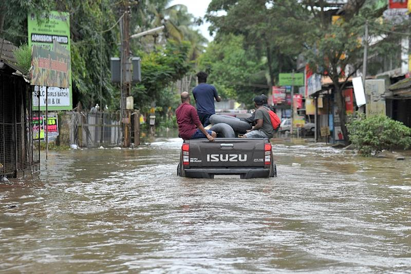 800,000 displaced in flooding in southern Indian state:The Asahi Shimbun