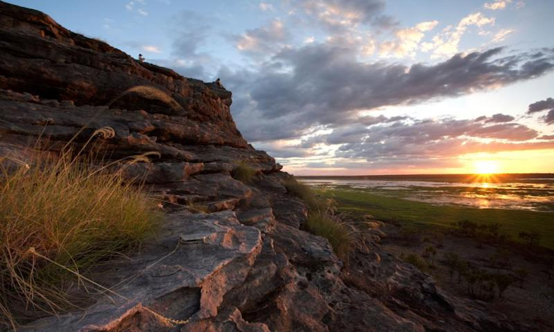 The Northern Land Council will host a meeting of traditional owners in coming weeks, saying it has a responsibility under the Aboriginal land rights act and the Kakadu park lease to 'heed the distress calls from traditional owners'