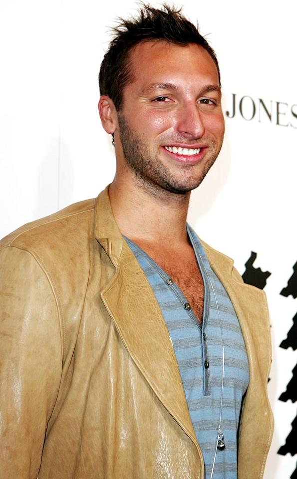 "Who wouldn't want to take a dip with Aussie swimming legend Ian Thorpe? <a href=""http://www.splashnewsonline.com"" target=""new"">Splash News</a> - February 13, 2007"