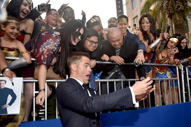 <p>Chris Pine with fans on May 25. (Photo: Alberto E. Rodriguez/Getty Images) </p>