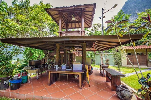 <p>A gazebo near the main pavilion has the stove, fridge and food preparation areas. (Airbnb) </p>