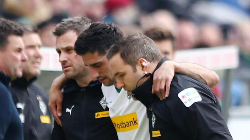 Gladbach captain Stindl breaks leg