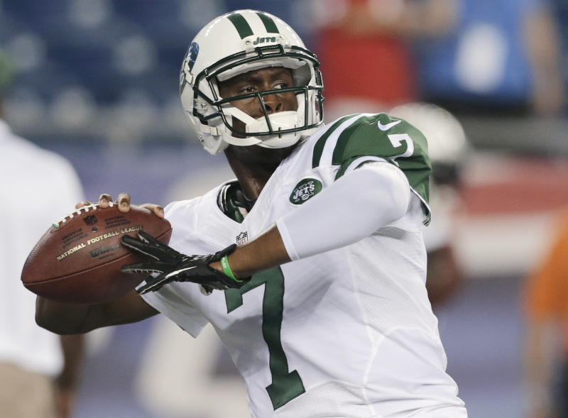 New York Jets quarterback Geno Smith throws a pass as he warms up for the Jets' NFL football game against the New England Patriots on Thursday, Sept. 12, 2013, in Foxborough, Mass. (AP Photo/Charles Krupa)