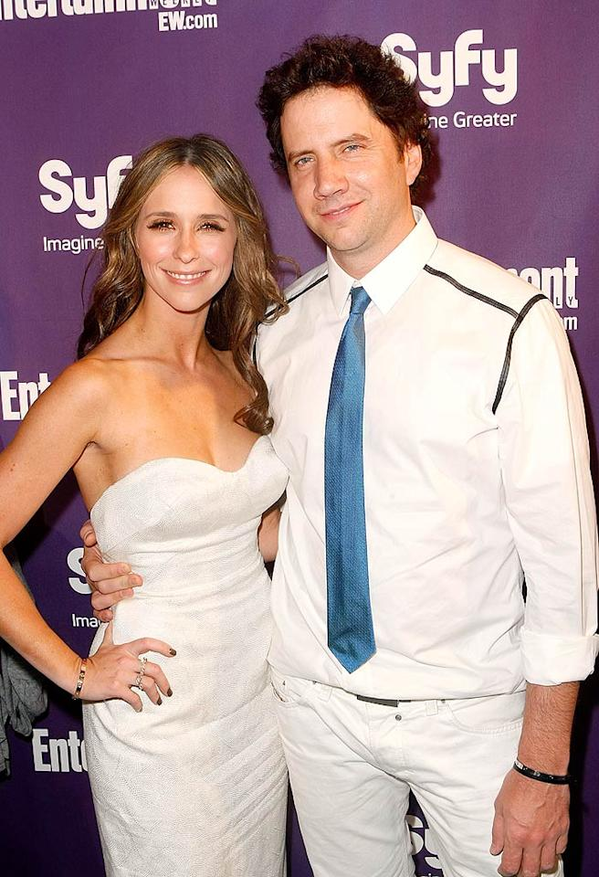 "Jennifer Love Hewitt (""Ghost Whisperer') and her main squeeze, funnyman Jamie Kennedy, attended <i>Entertainment Weekly's</i> Syfy soiree in all-white ensembles. Michael Buckner/<a href=""http://www.gettyimages.com/"" target=""new"">GettyImages.com</a> - July 25, 2009"