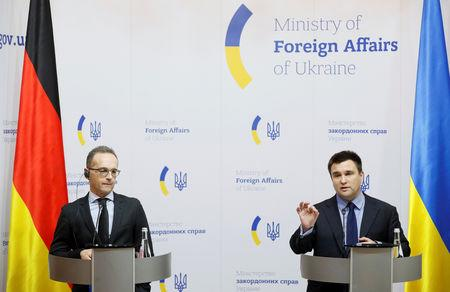German Foreign Minister Heiko Maas (L) and his Ukrainian counterpart Pavlo Klimkin attend a news conference following their talks in Kiev, Ukraine January 18, 2019. REUTERS/Valentyn Ogirenko