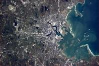 """Tonight's Finale: Boston, you're a beautiful harbor city. Hope your Bruins play a memorable game tonight vs the Leafs. <a href=""""https://twitter.com/Cmdr_Hadfield/"""" rel=""""nofollow noopener"""" target=""""_blank"""" data-ylk=""""slk:(Photo by Chris Hadfield/Twitter)"""" class=""""link rapid-noclick-resp"""">(Photo by Chris Hadfield/Twitter)</a>"""