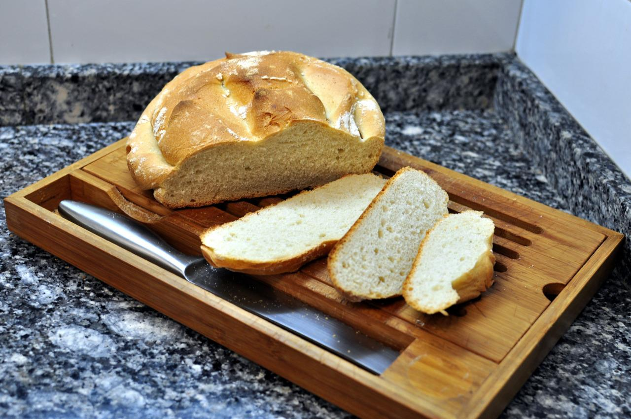 <p>Genetic manipulations have meant that the wheat that we now use to make bread is no longer anything like the wheat that our great-grandparents would have known. The newest types of wheat can cause all sorts of inflammatory diseases and allergies. [Rafel Miro/Flickr]</p>
