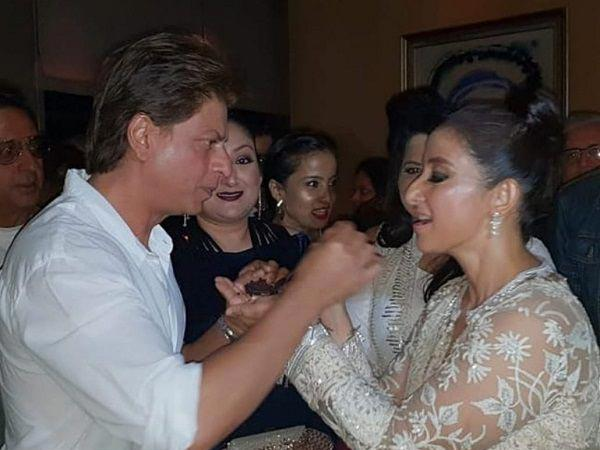 <p>Manisha Koirala celebrated her birthday yesterday with her family and close friends from the Hindi film industry. It was an intimate party, which was graced by names such as Shah Rukh Khan, Rekha, Vidhu Vinod Chopra, and Sanjay Leela Bhansali </p>