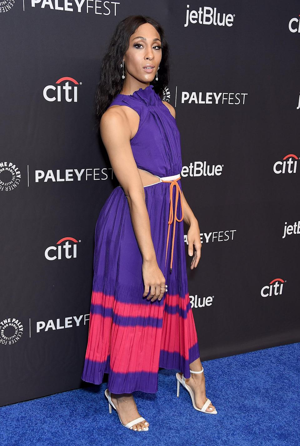 <p>This fun cutout dress came with a pair of sensible Aldo shoes for the March 2019 PaleyFest in LA.</p>