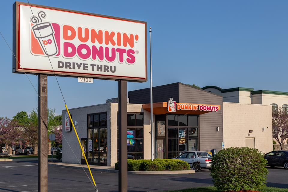 A Dunkin' Donuts in California allegedly refused to serve a deaf mom. (Photo: Getty Images)