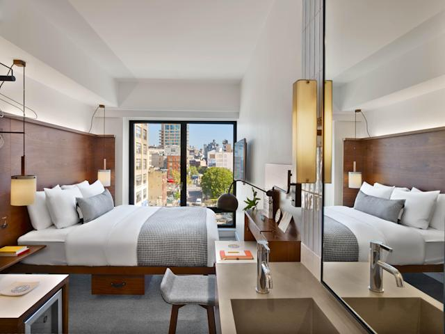 Enjoy views of the Manhatten skyline (Photo: Arlo Hotels)