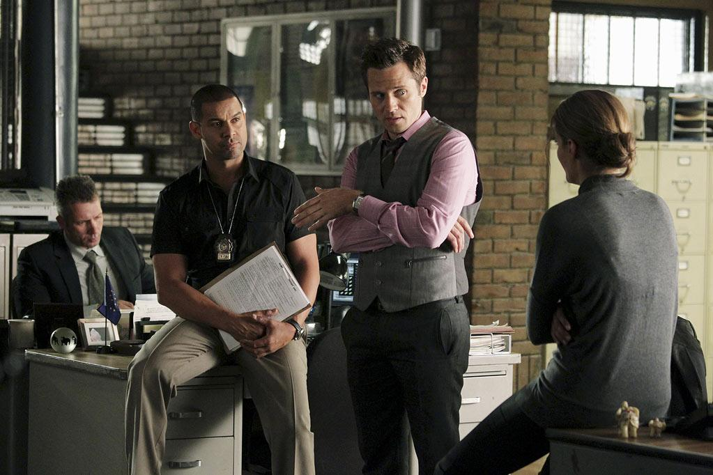 """CASTLE - """"Rise"""" - In a riveting opening that picks up just moments after last season's climactic finale, Detective Beckett (Stana Katic) fights for her life as Castle (Nathan Fillion), plagued by guilt over his role in the events, struggles to uncover who's behind her brutal shooting. Meanwhile, back at the precinct, Ryan (Seamus Dever) and Esposito (John Huertas) have to adjust, as Victoria """"Iron"""" Gates (Penny Johnson Jerald, """"24"""") becomes the precinct's new uncompromising Captain. The Season 4 premiere of """"Castle"""" airs MONDAY, SEPTEMBER 19 (10:01-11:00 p.m., ET) on the ABC Television Network. (ABC/KAREN NEAL) JON HUERTAS, SEAMUS DEVER, STANA KATIC Castle"""